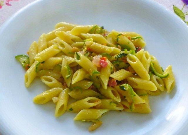 pasta speck e zucchine ricetta